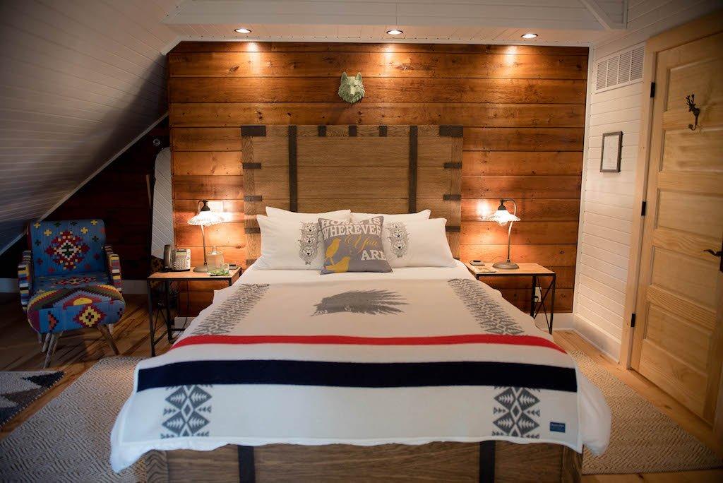 Blackhawk Suite Bed